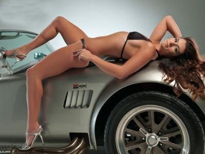 Даника Патрик. Красивая девушка, шикарное авто – ну просто воплощение классической мужской мечты.